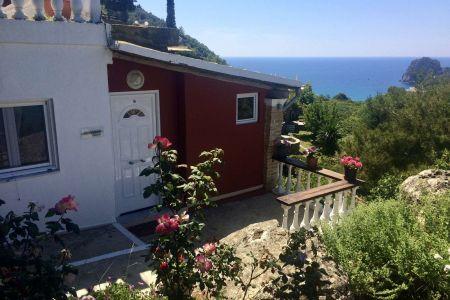 odysseas-bungalow-ermones-villas-06.jpeg